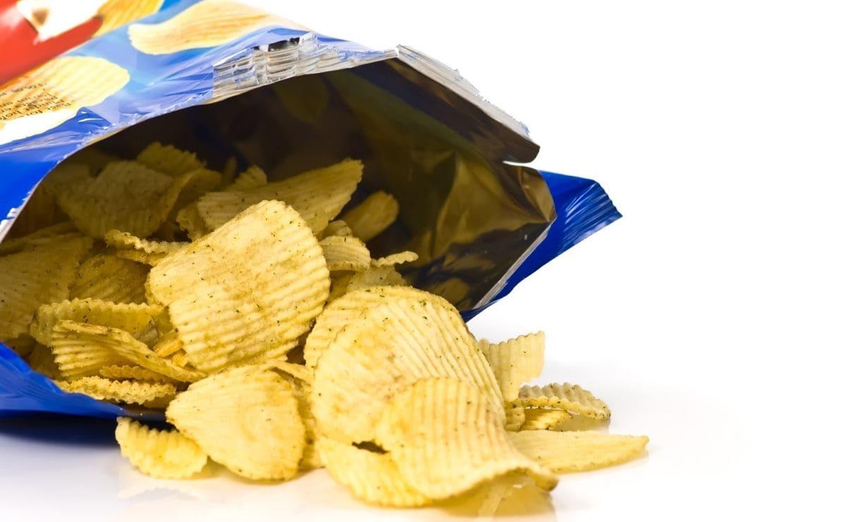 What vitamins do potato chips contain?